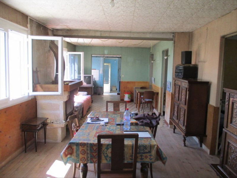 Sale house / villa Loulay 59400€ - Picture 3