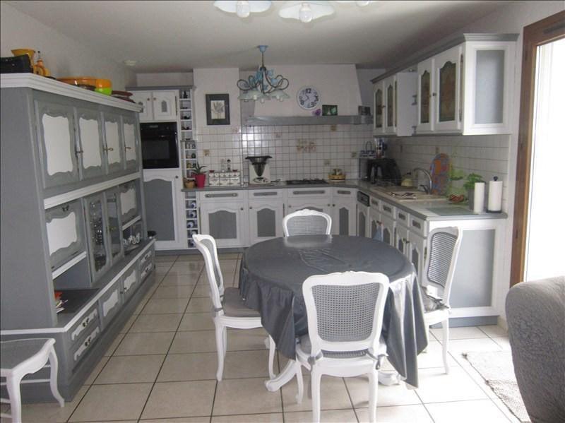 Sale house / villa Balbigny 287000€ - Picture 6