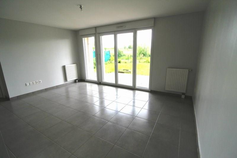 Rental apartment Maurepas 877€ CC - Picture 1