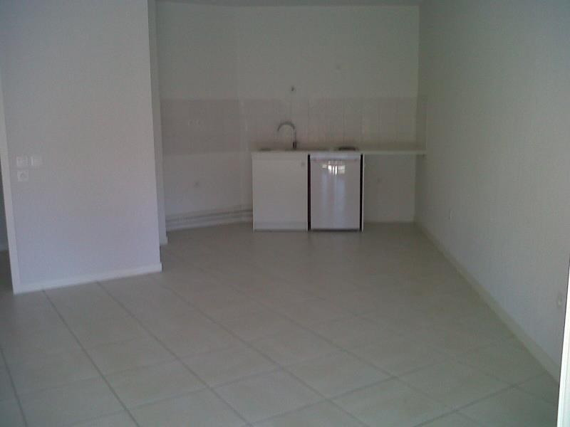 Rental apartment St jean de luz 490€ CC - Picture 2