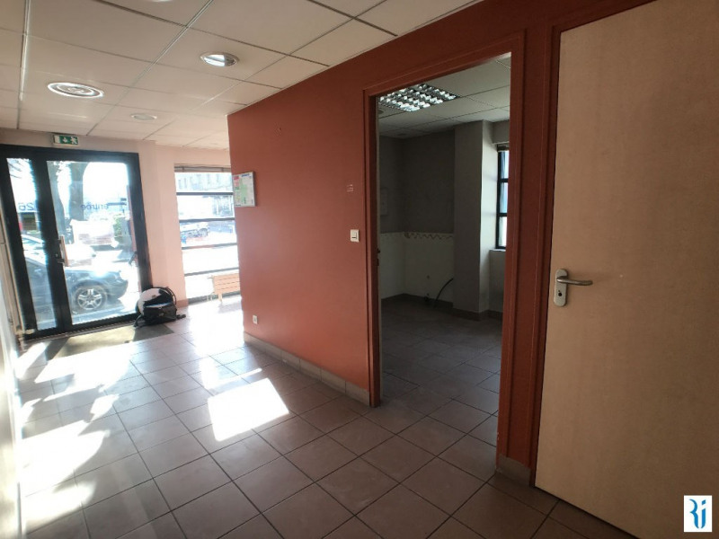 Rental empty room/storage Rouen 944€ CC - Picture 2