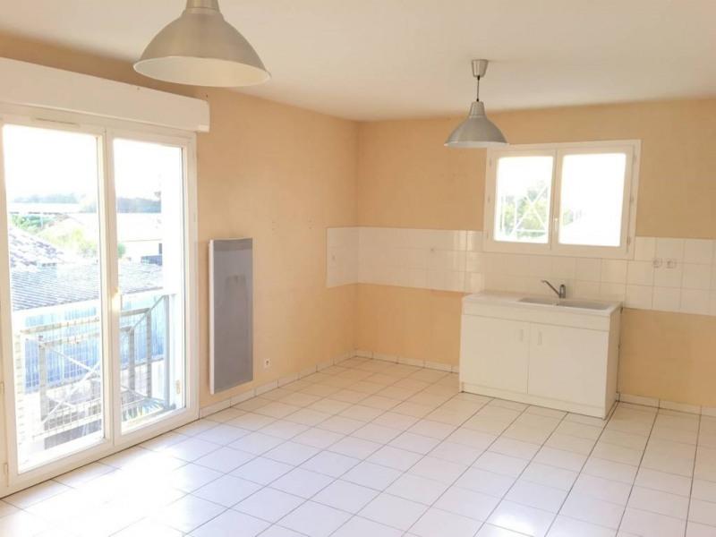 Location appartement Saint-andre-de-cubzac 553€ CC - Photo 1
