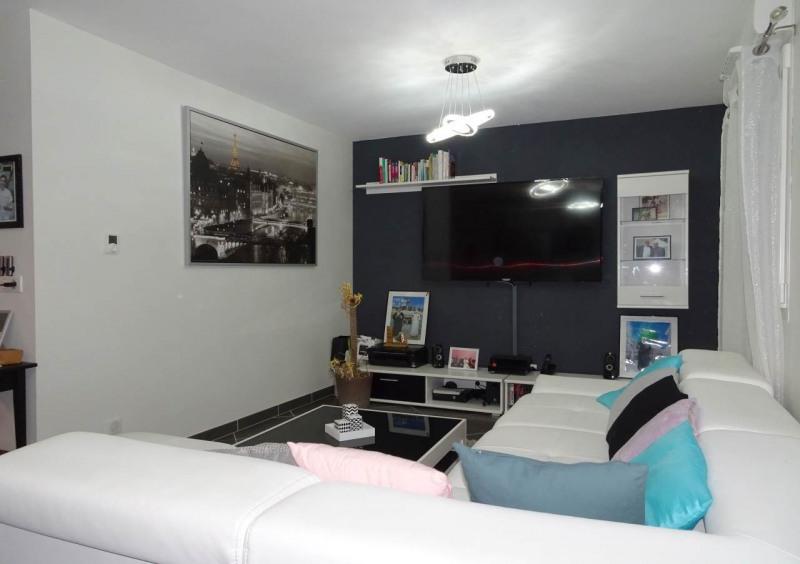 Sale apartment Saint-pierre-en-faucigny 299000€ - Picture 2
