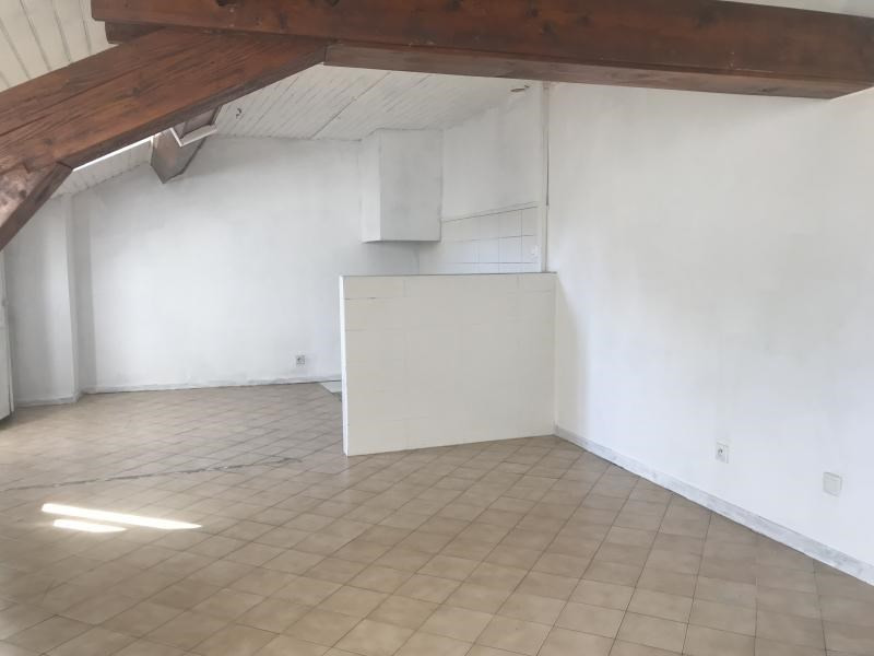 Sale apartment Oyonnax 65000€ - Picture 2
