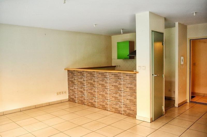 Rental apartment La possession 750€ CC - Picture 2