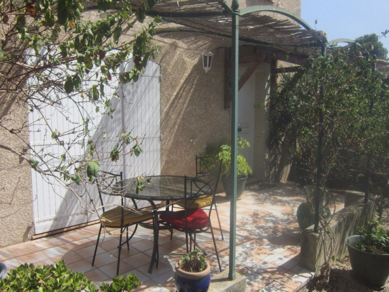 Location maison / villa Lambesc 1 170€ CC - Photo 1