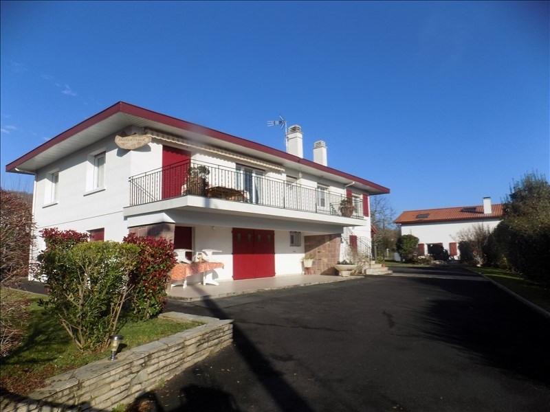 Sale house / villa Itxassou 398000€ - Picture 1