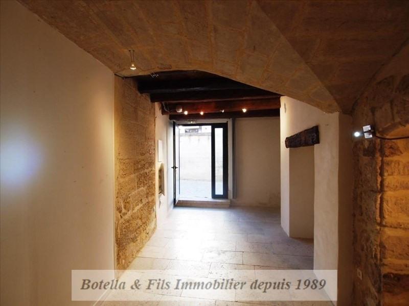 Verkoop  appartement Uzes 135000€ - Foto 2