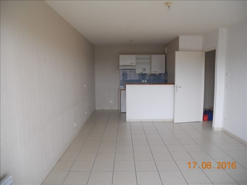 Location appartement Blaye 392€ CC - Photo 1