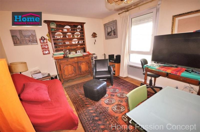 Sale apartment Courbevoie 378000€ - Picture 3