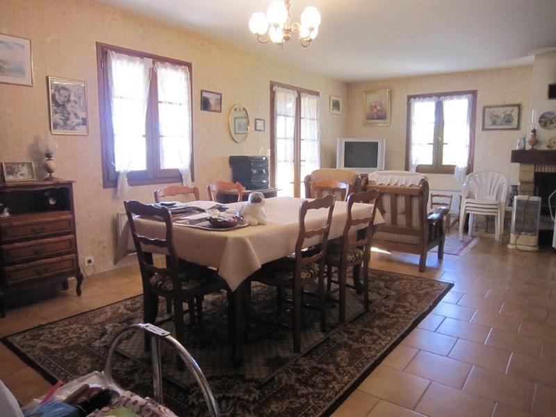 Sale house / villa Bezenac 201400€ - Picture 5
