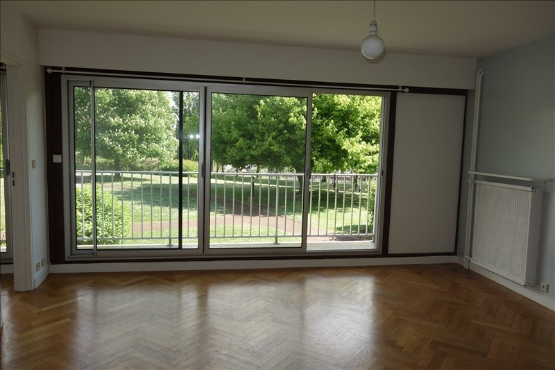 Rental apartment Viroflay 1150€ CC - Picture 1