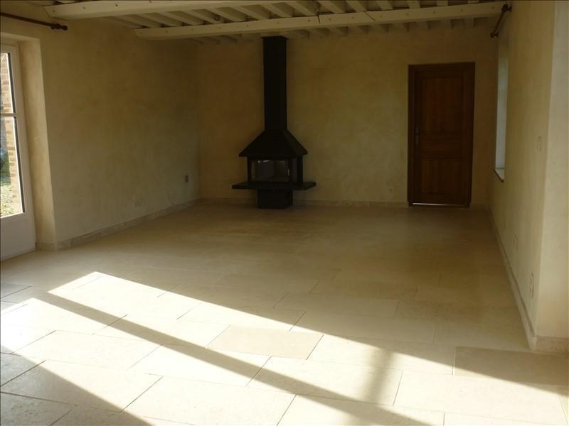 Location maison / villa St aquilin de corbion 710€ CC - Photo 3