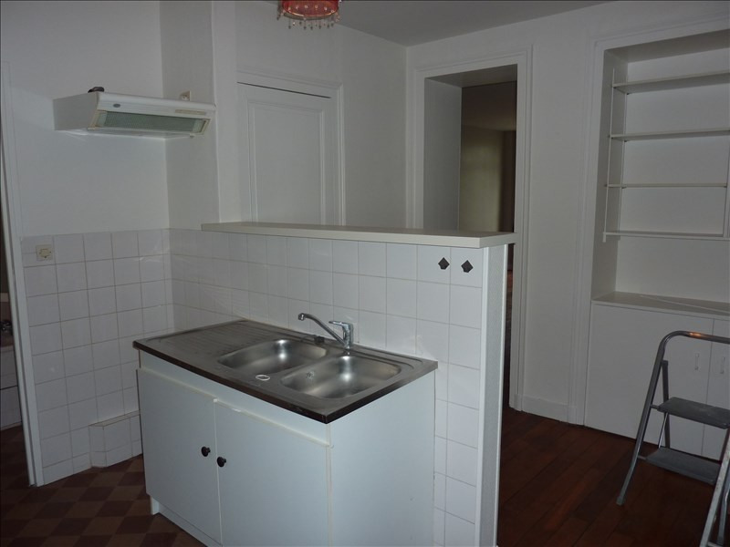 Rental apartment Vendome 400€ CC - Picture 3