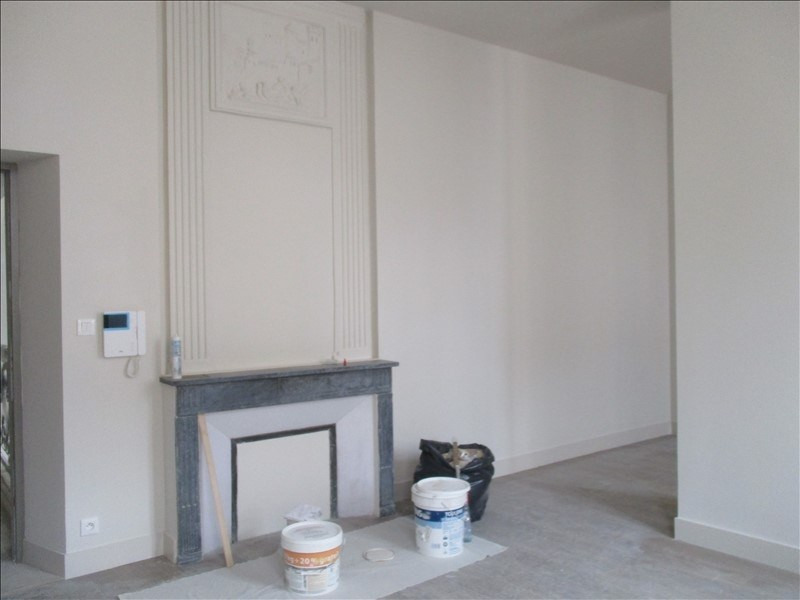 Location appartement Nimes 576€ CC - Photo 3