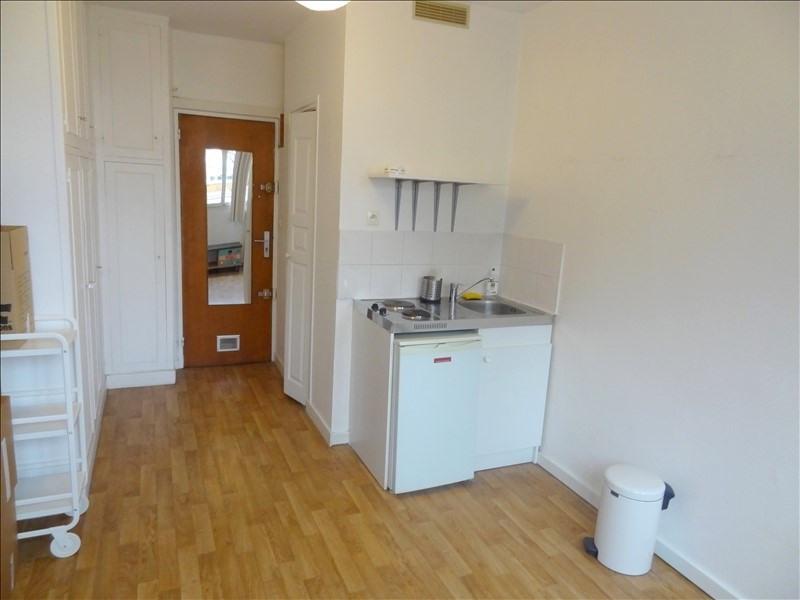 Rental apartment Levallois 600€ CC - Picture 1