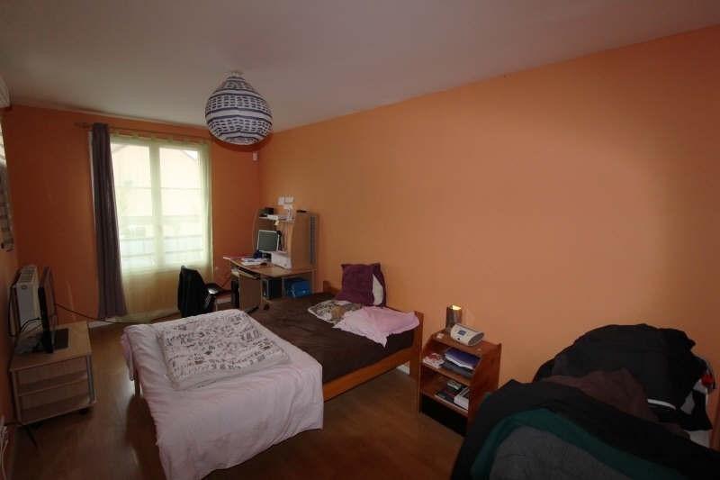Sale house / villa Maurepas 351500€ - Picture 5