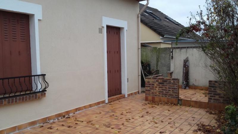 Sale house / villa Chelles 262000€ - Picture 3