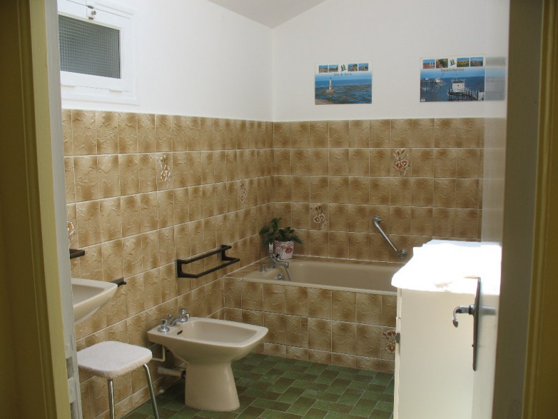 Sale house / villa Etaules 191500€ - Picture 7