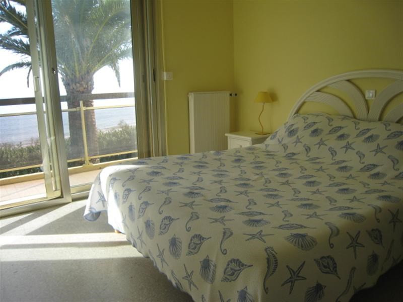 Vacation rental house / villa Cavalaire 1 500€ - Picture 5
