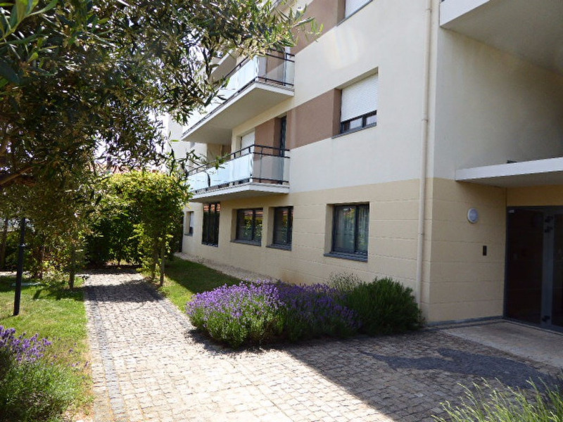 Sale apartment La rochelle 191 000€ - Picture 2