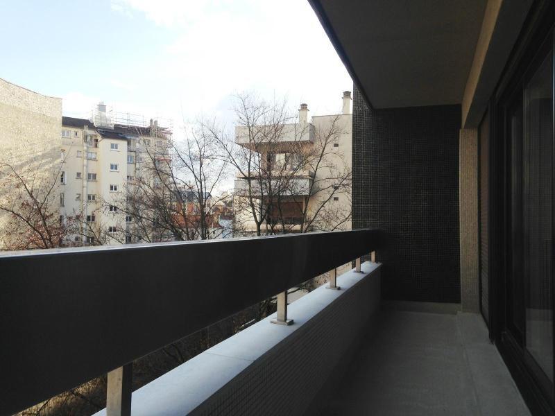 Location appartement Paris 16ème 2760€ CC - Photo 5
