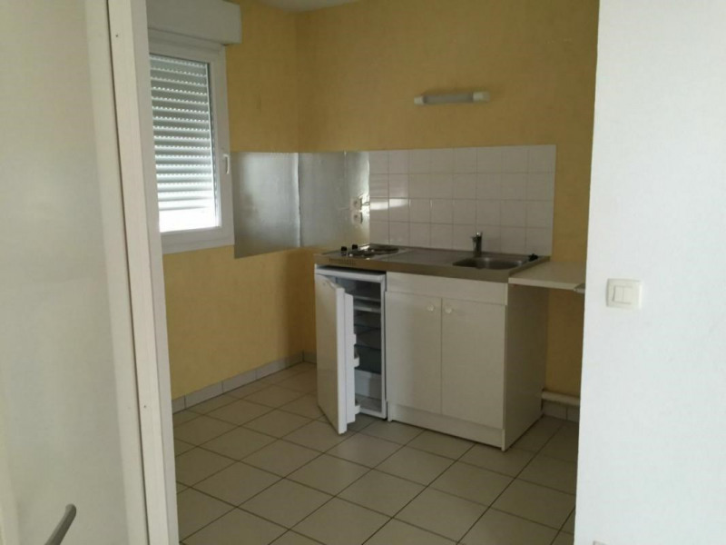 Sale apartment Lisieux 74000€ - Picture 2