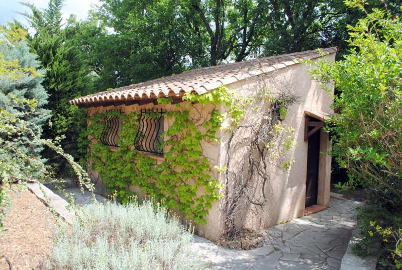 Vente maison / villa Bagnols-en-forêt 525000€ - Photo 5