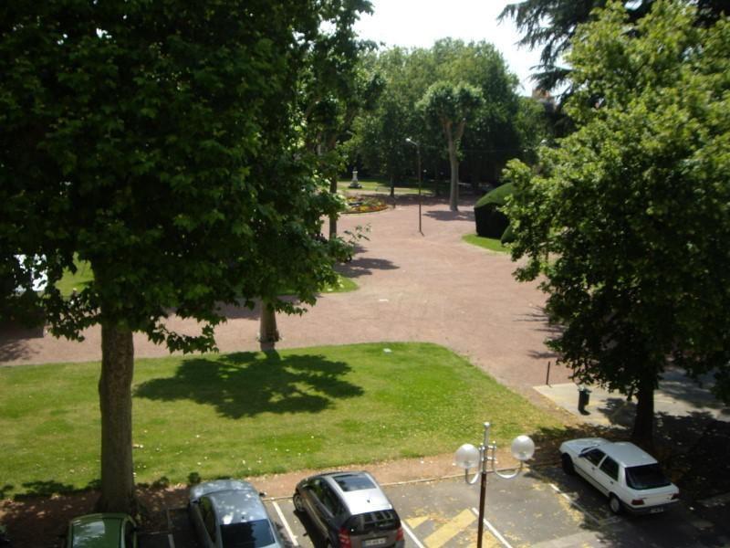 Location appartement Roanne 855€ CC - Photo 3