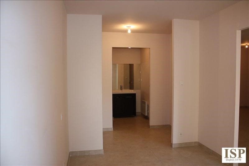 Location appartement Luynes 841€ CC - Photo 10