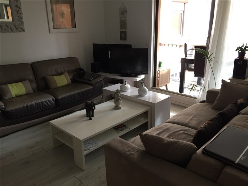 Rental apartment Villepreux 920€ CC - Picture 1
