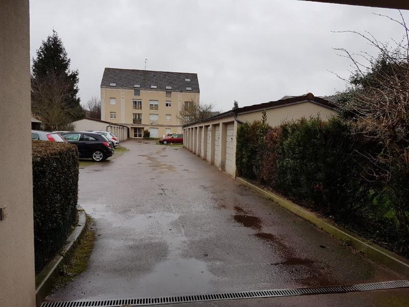 Rental parking spaces Dammarie les lys 70€ CC - Picture 1