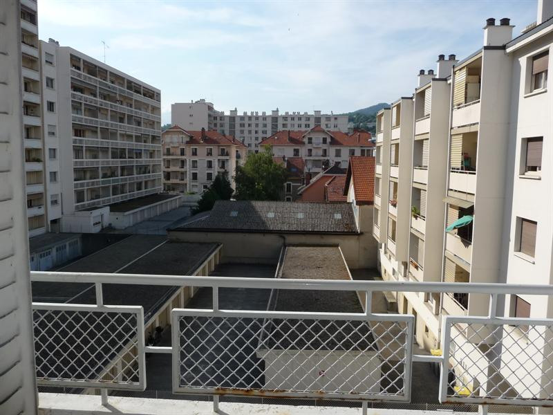 Location appartement Chambery 750€ CC - Photo 4