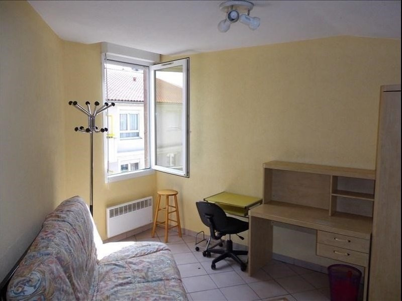 Location appartement 69100 440€ CC - Photo 1