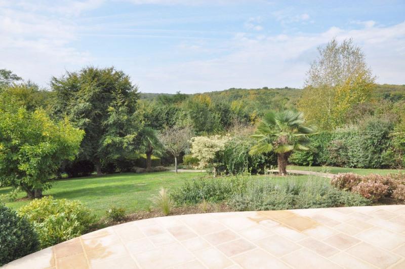 Deluxe sale house / villa Saint berthevin 582000€ - Picture 1