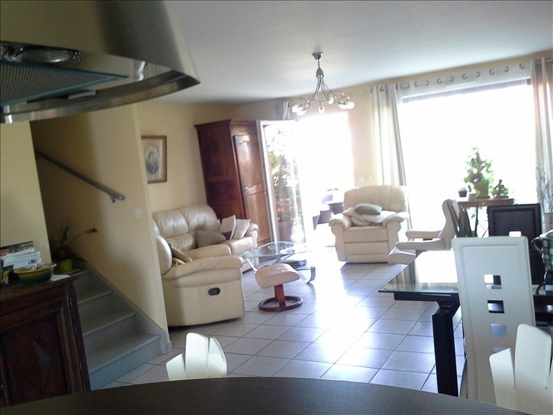 Sale apartment Charnay les macon 290000€ - Picture 1