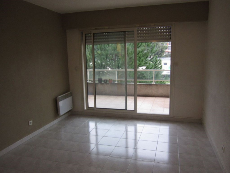 Location appartement Cagnes sur mer 612€ CC - Photo 2