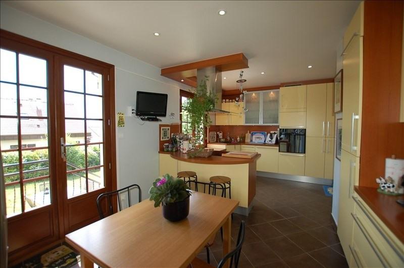 Sale house / villa Beynes 379000€ - Picture 1