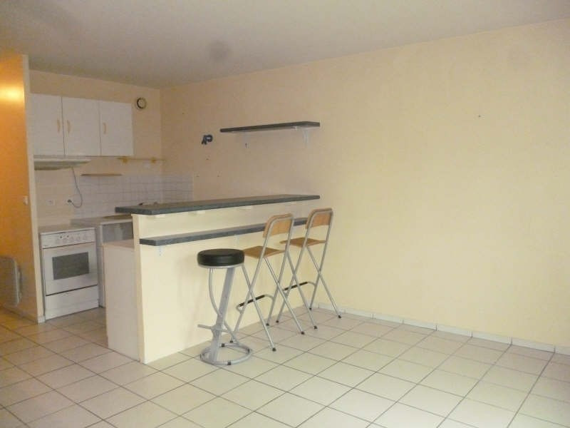 Location appartement Pecqueuse 590€ CC - Photo 2