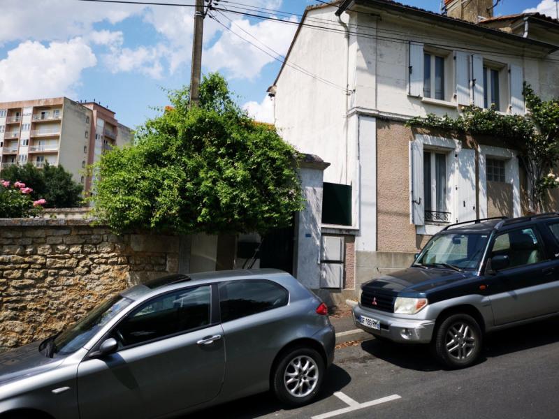 Sale house / villa Angoulême 76300€ - Picture 1