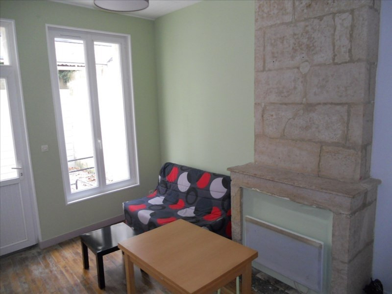 Location appartement Niort 312€ CC - Photo 1