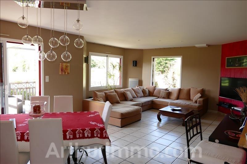 Sale house / villa Ploemel 299500€ - Picture 3