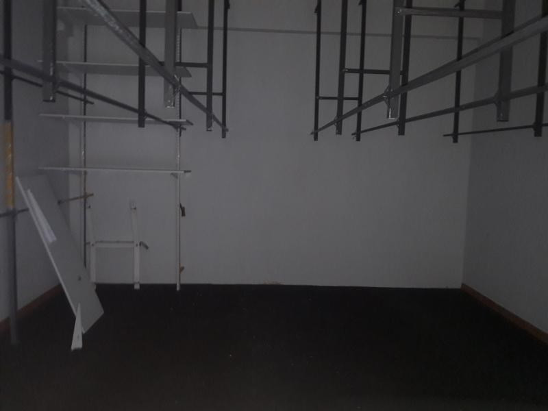 Location local commercial St paul 4000€ HT/HC - Photo 6