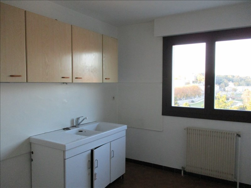 Rental apartment Montelimar 752€ CC - Picture 1