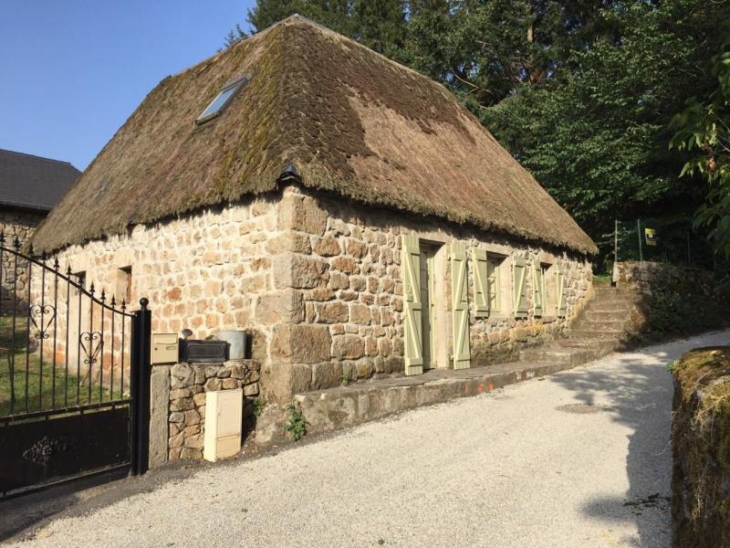 Vente maison / villa Le lac d issarles 159000€ - Photo 2