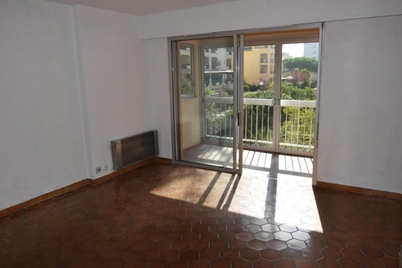 Sale apartment Ste maxime 155000€ - Picture 2