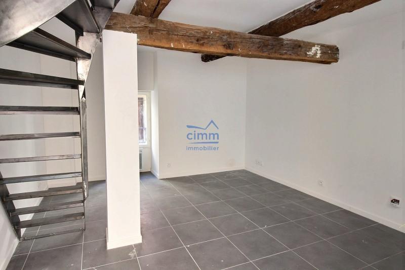 maison de 30m2 great extension maison prix m cout bois ossature de a m with maison de 30m2. Black Bedroom Furniture Sets. Home Design Ideas