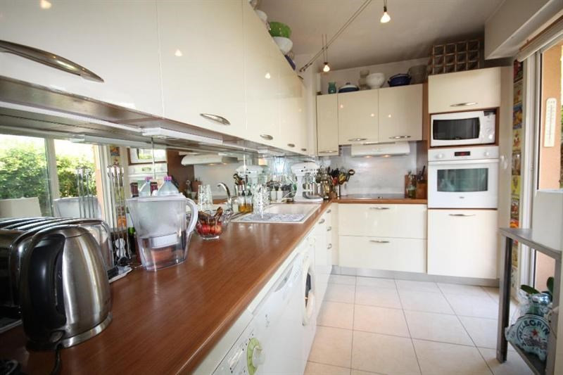 Sale apartment Antibes 598000€ - Picture 4
