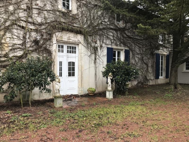 Deluxe sale house / villa Puilboreau 1015000€ - Picture 1