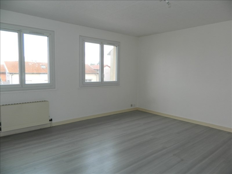 Location appartement Roanne 295€ CC - Photo 4